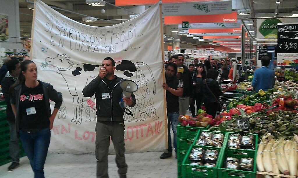 Facchini e solidali uniti in un nuovo momento di comunicazione e boicottaggio